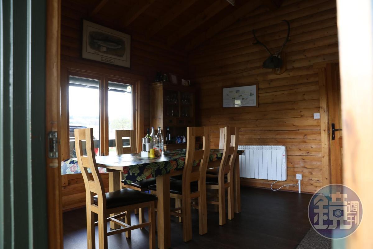 造訪釀酒廠的客人,經過預約,還可以在麥卡倫釣魚小屋裡享用午餐。