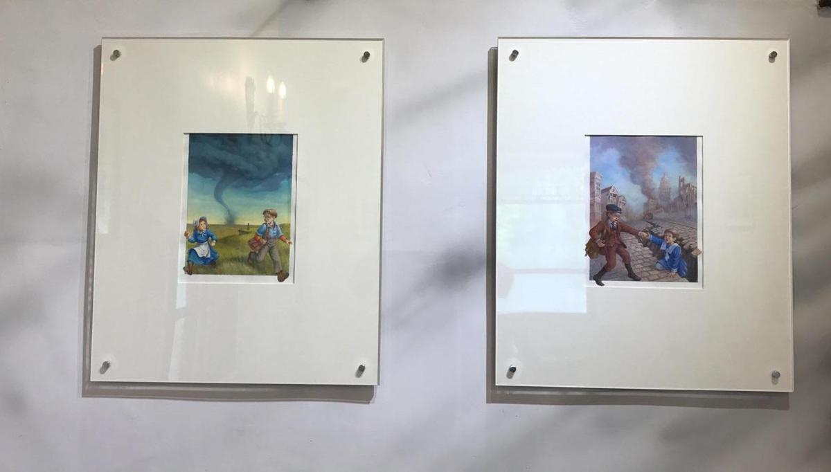 「Mr. Sam」咖啡館首波展覽即是台灣插畫家吳健豐的「神奇樹屋」系列封面原作展。(Mr. Sam山姆先生咖啡館提供)