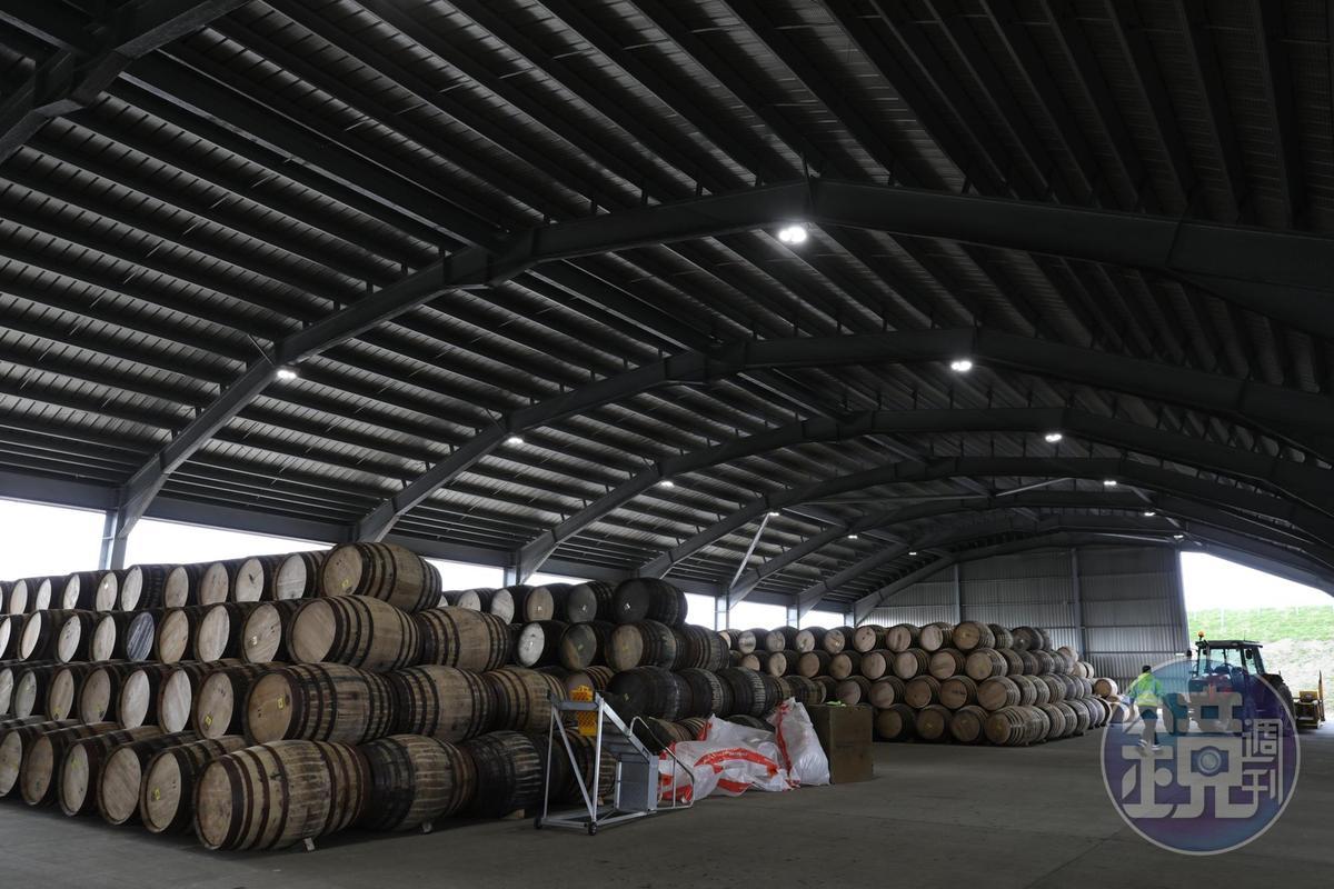 存放橡木桶的倉庫,占地廣大。