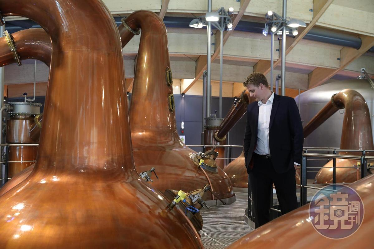 麥卡倫首席釀酒師Dr. Nick Savage說,新蒸餾器已於2017年12月蒸餾出第一滴新酒,預計未來產能會比現在增加1/3。