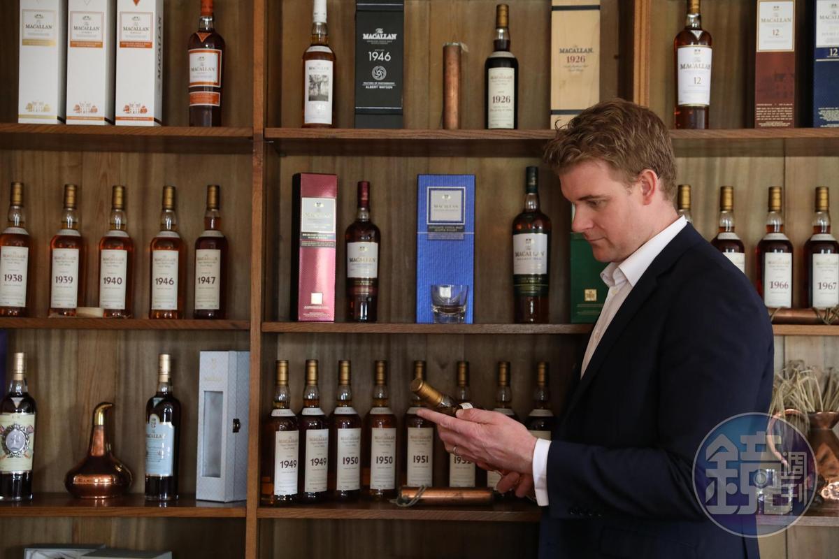 麥卡倫首席釀酒師Nick及他率領的團隊,以新酒廠為創作靈感,推出EDITION NO.4這款限量威士忌,向傳承百年的釀酒工藝致意。