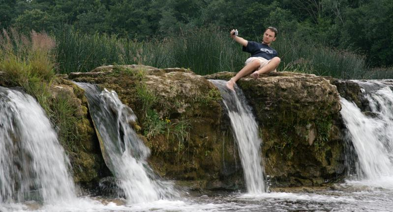 紀錄片《瀑布》拍下拉脫維亞境內、歐洲最寬的聞遝瀑布遊客百態。(TIDF提供)