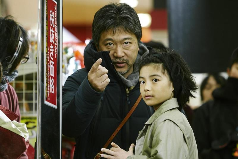 是枝裕和拍攝小孩很有一套,城檜吏(右)在他的指導下演技優異。(釆昌國際多媒體提供)