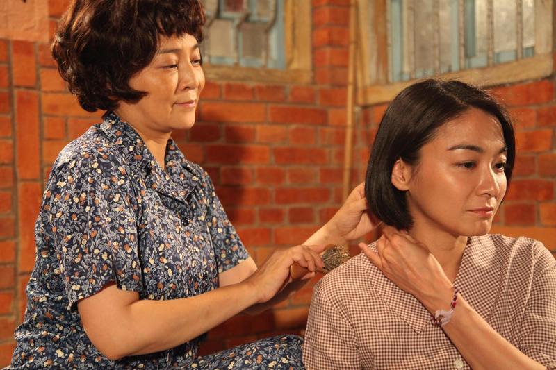王彩樺和江祖平飾演母女,有動人劇情。(民視提供)