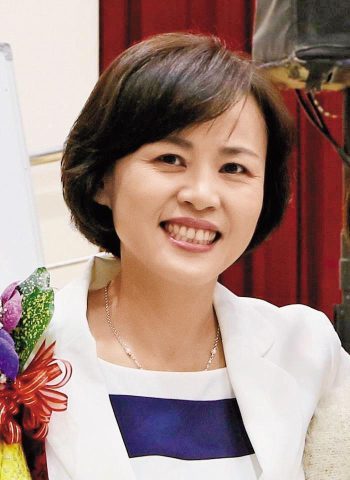 前屏東市長林亞蒓被控壓公文、未徹查不法,但她嚴詞否認干預。(翻攝自林亞蒓臉書)