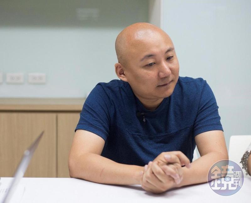 《與神同行》漫畫原著周浩旻接受《鏡週刊》專訪,坦言對續集電影也十分期待。