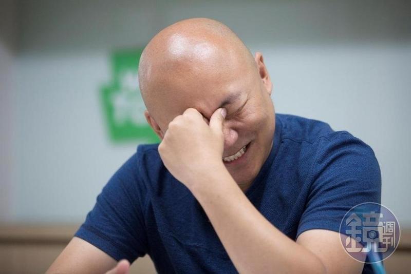 被稱讚本人極具幽默感及藝能感,周浩旻作家笑得十分開心。