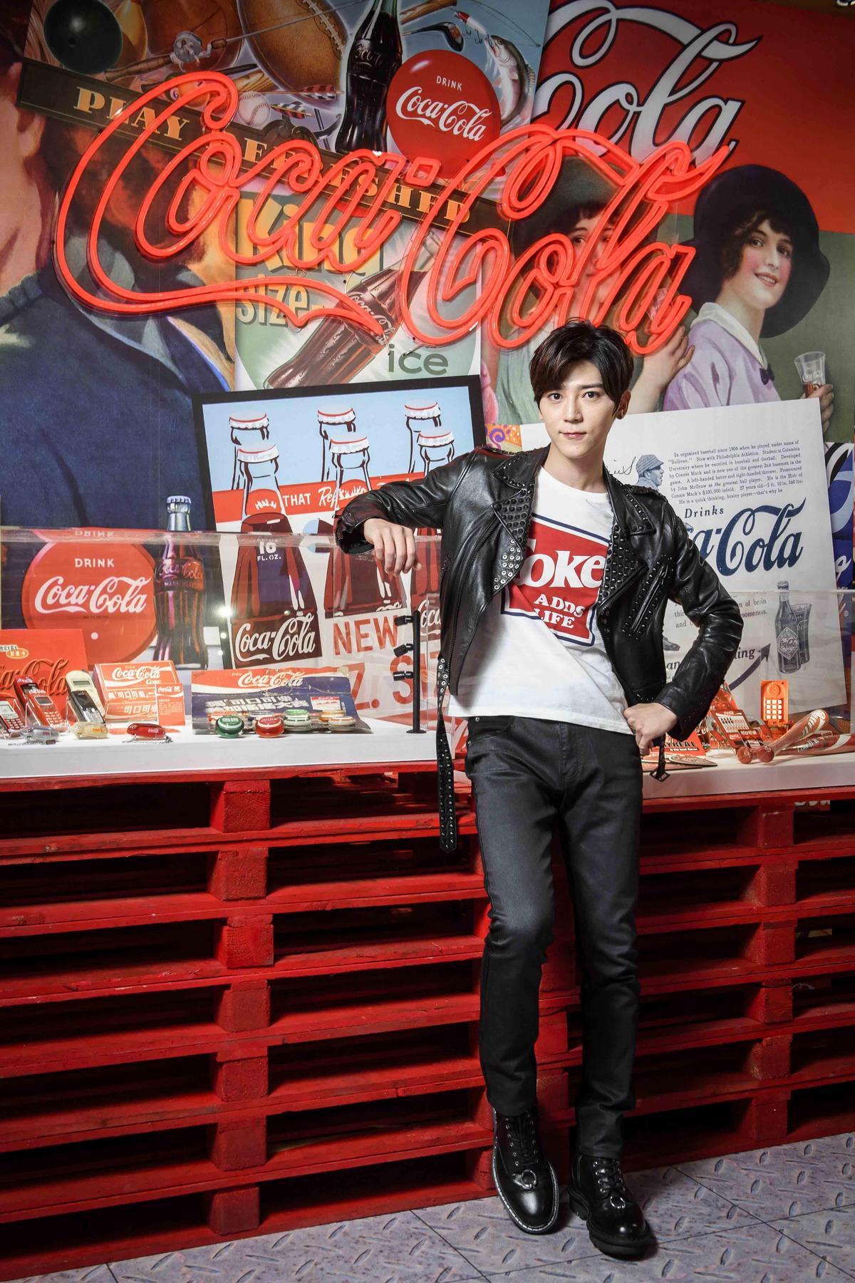 Bii畢書盡3日出席飲料活動,透露高雄演唱會將有超大驚喜送給歌迷。(可口可樂提供)