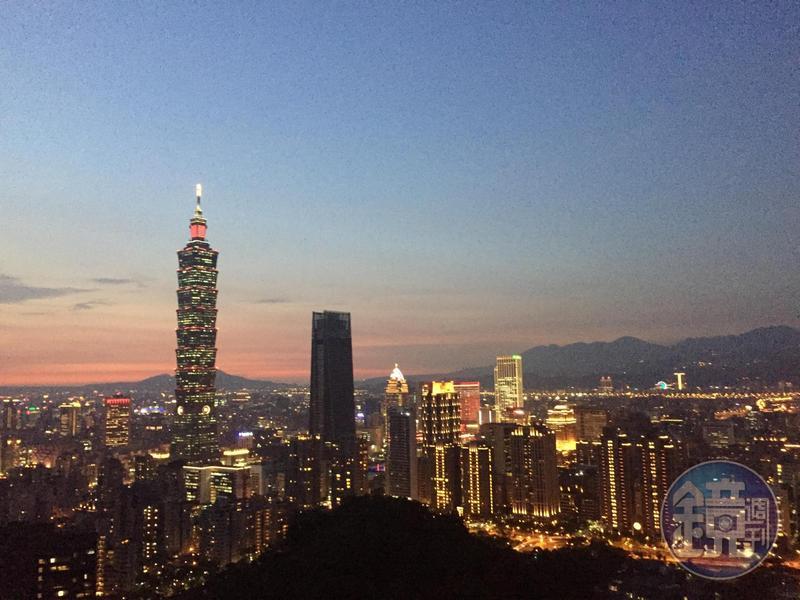 旅居香港5年、上海10年的王男在臉書上發表了搬回台北居住1年的看法。
