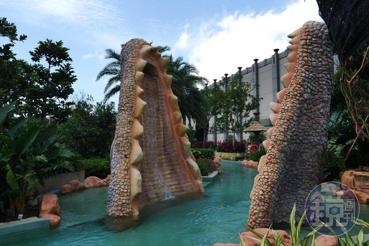 漂漂河中可以穿過鱷魚的嘴巴,真的好像在熱帶雨林中冒險。