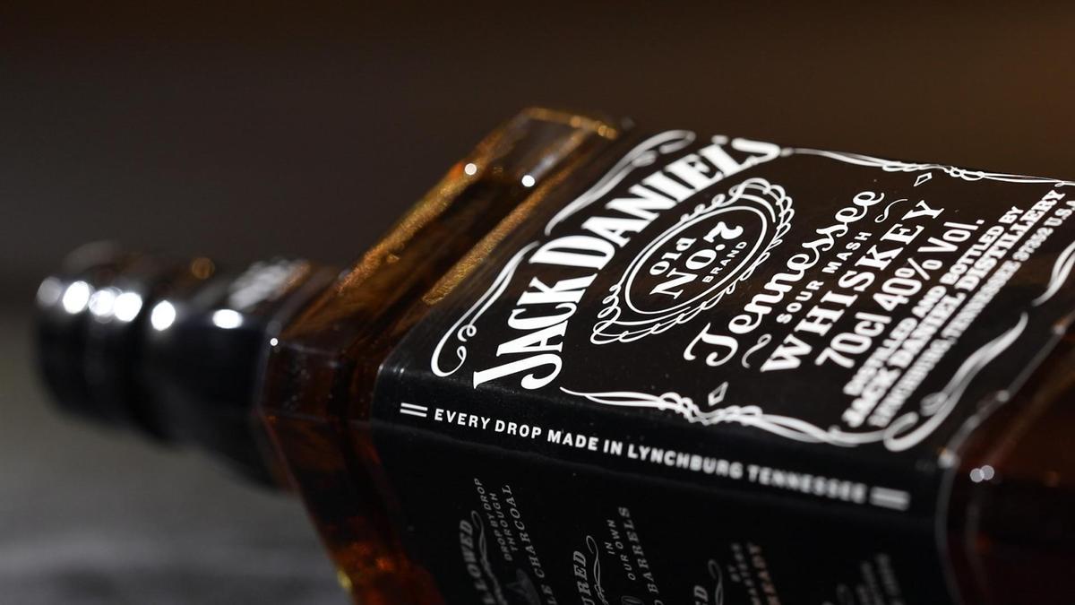 傑克丹尼田納西威士忌口感柔順,適合入菜。