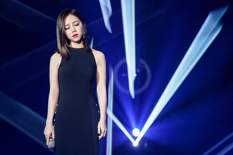 鄧紫棋演唱〈愛如意〉,中國曲風與她的西式唱腔融合出耳目一新的感覺。(IME提供)