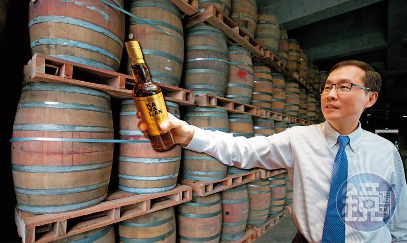 金車身為國內咖啡、飲料、食品大廠,李玉鼎2005年切入威士忌市場,克服氣候限制,花10年打造噶瑪蘭威士忌品牌,集團年收達150億元。