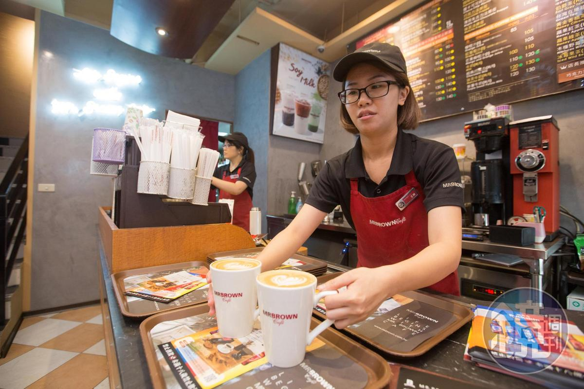 咖啡事業體占集團營收逾5成,目前共有50間伯朗咖啡館。