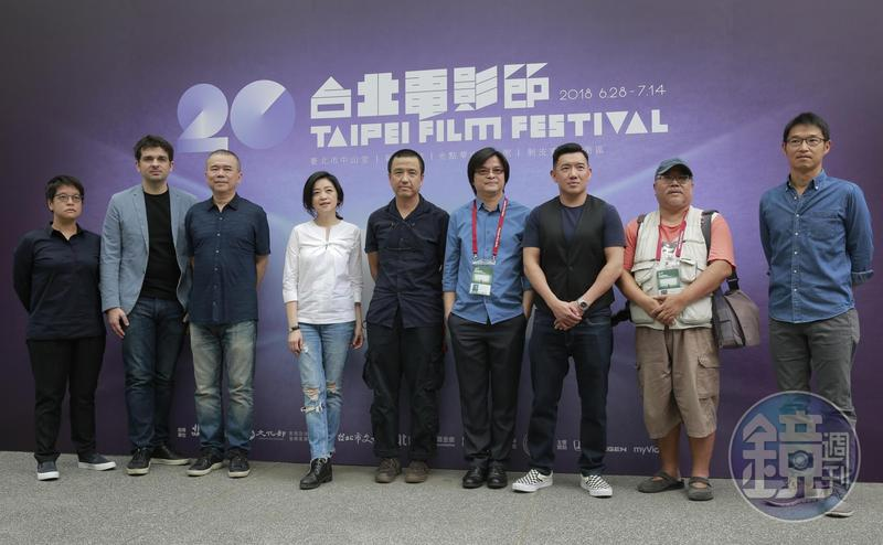 台北電影獎評審團與媒體見面,左起李耀華、馬修、陳玉勳、李欣芸、婁燁、周強、杜汶澤、陳懷恩與關本良。