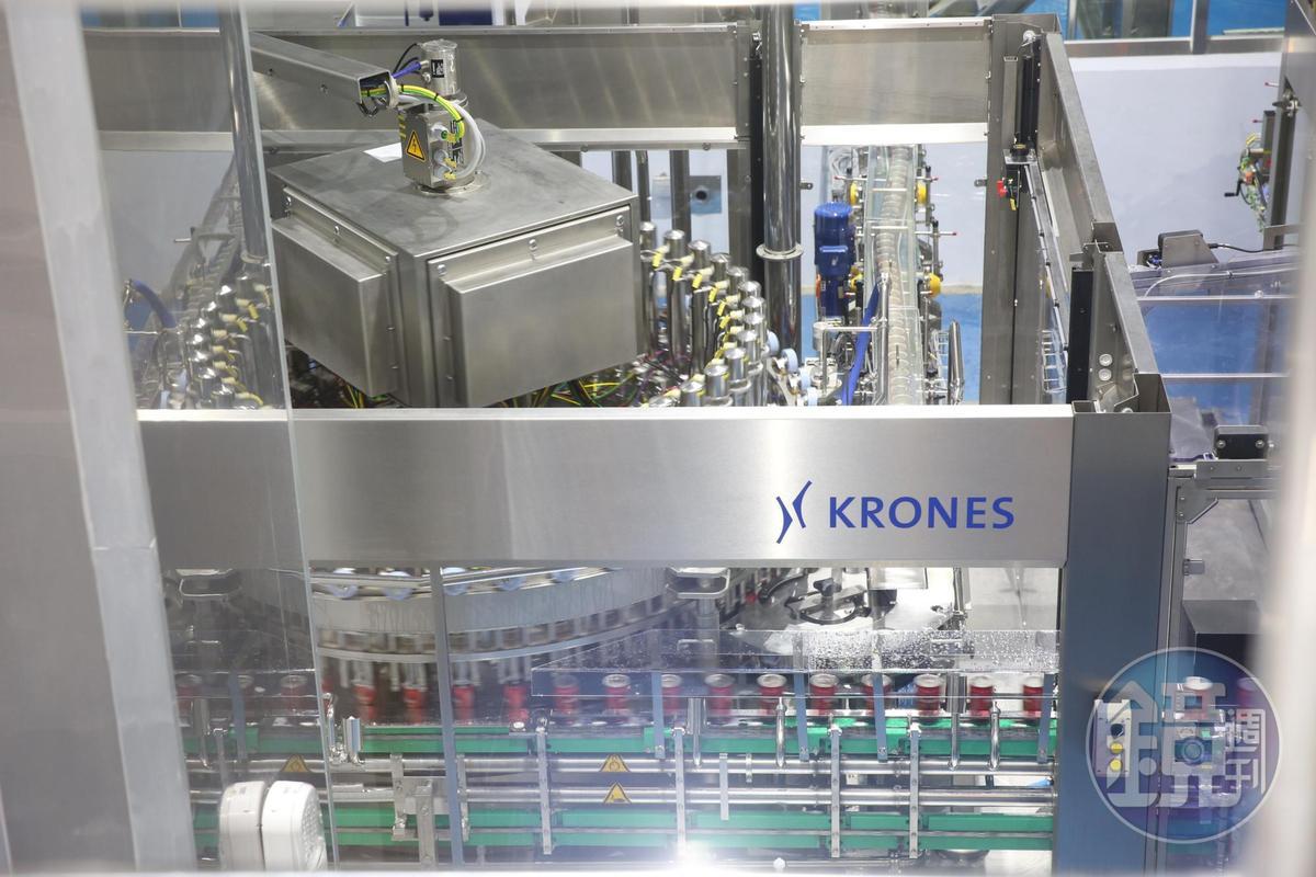工欲善其事必先利其器,柏克金啤酒使用德國原裝釀酒設備,總投資額高達9億元。