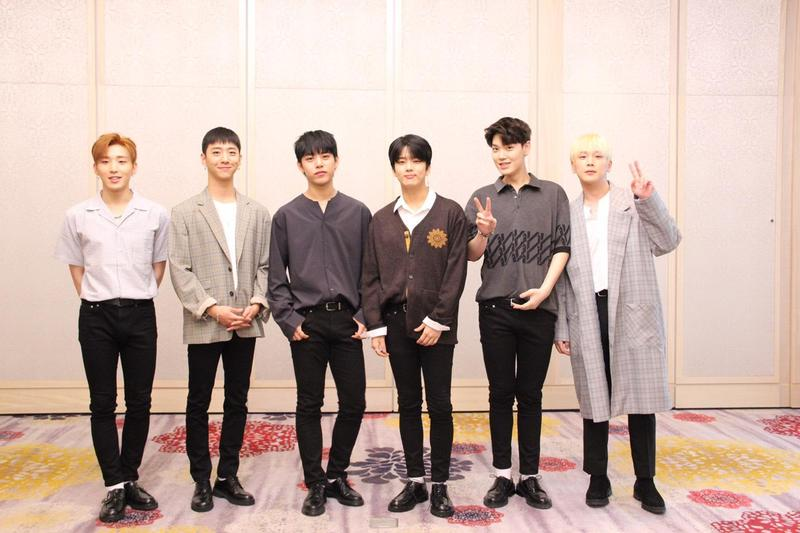 韓國男團B.A.P第六次在台開唱。成員左起鐘業、容國、大賢、永才、Zelo與力燦。(全星網提供)