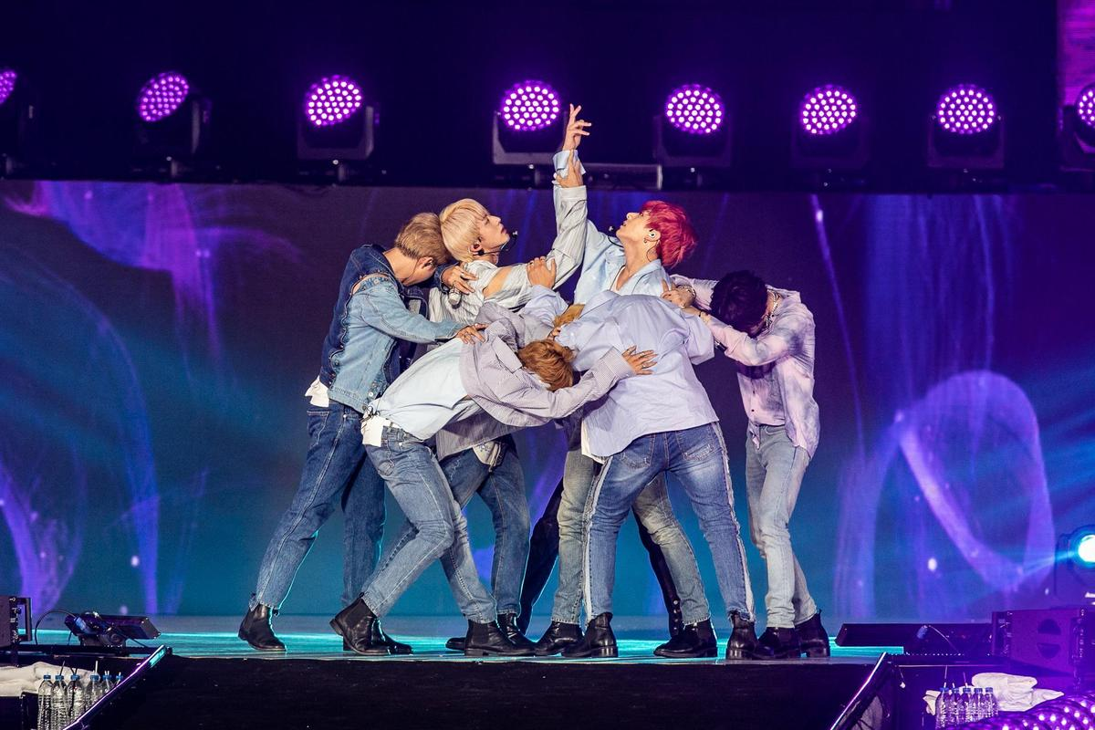 BTS防彈少年團賣力熱舞,實唱功力紮實。(就是現場 JUSTLIVE提供)