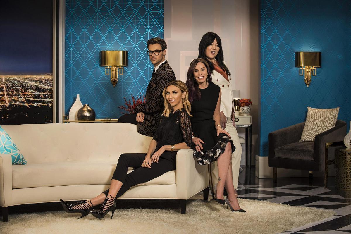 趙牡丹(右一)曾是時尚節目《Fashion Police》的主持人之一,她也擁有服裝品牌。(翻攝自tvguide.com)