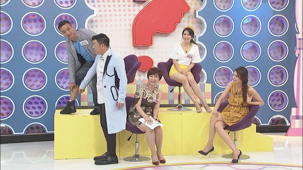 王中平在節目上秀出自己的40年傷疤,仍舊十分明顯。(中天提供)