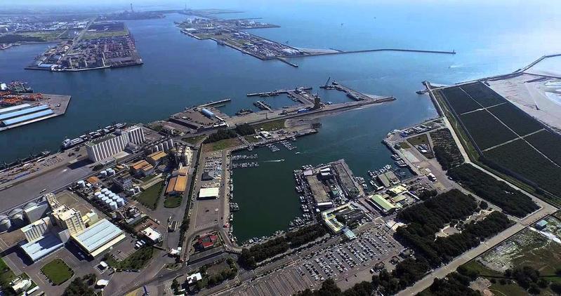 王應傑看上台中港石化產業專區,預計蓋出占地11.5公頃的天然氣發電廠。 (台中市政府官網)