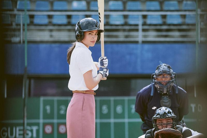 Yaya打起棒球,架勢氣場超大。(Catchplay提供)