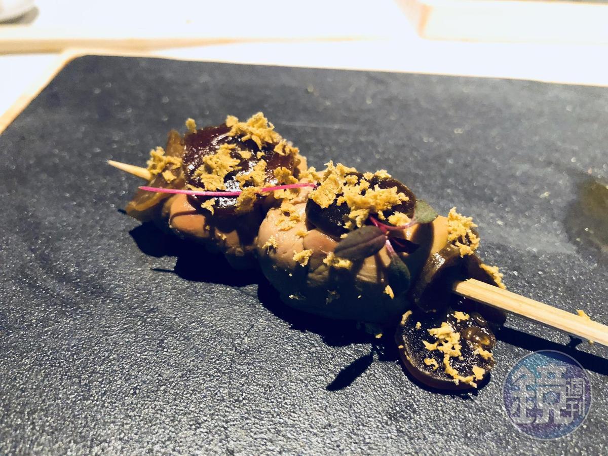 燒鳥市松的「黃瓜咖哩雞肝」。