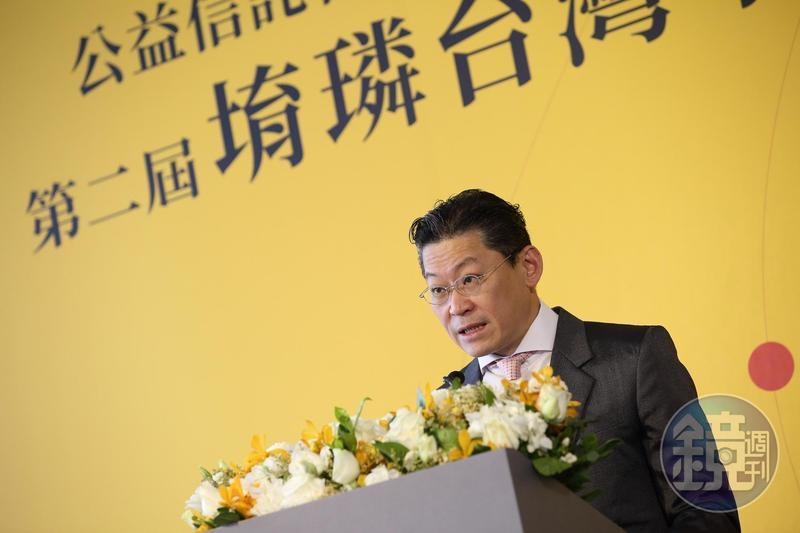 林鴻南以公益基金會旗下投資公司出手,參與中嘉併購案,對外界指控「假公益、真投資」的說法,相當不以為然。