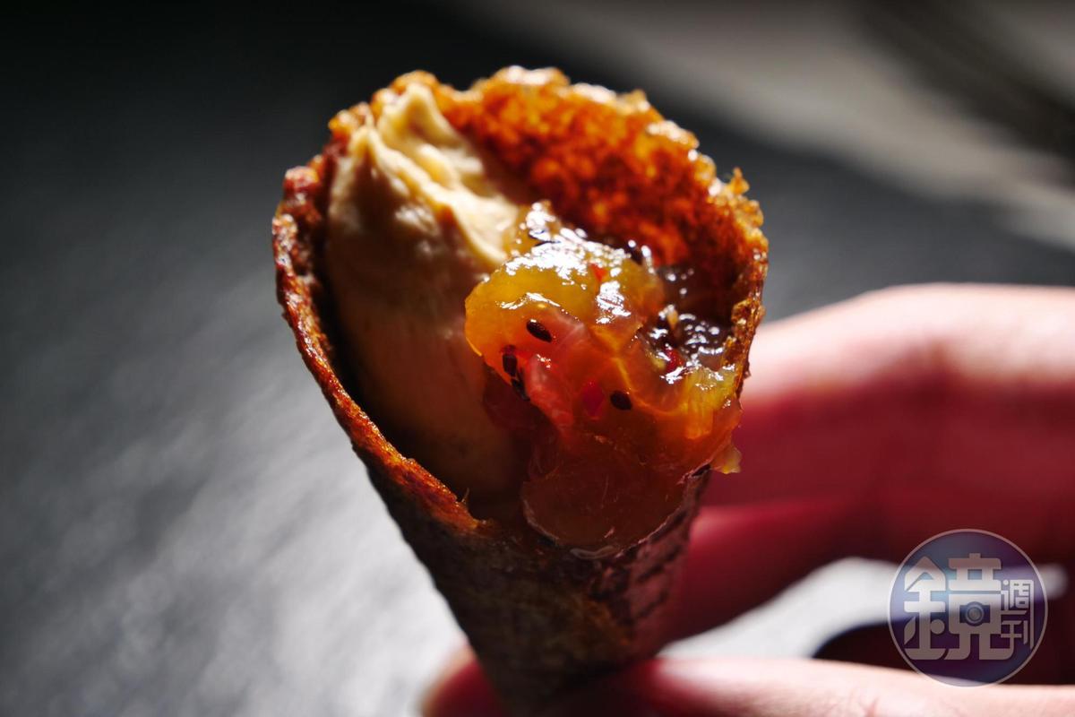 「奇異果甜筒」滋味鹹甜交融,味覺層次豐富。(此道為特製料理,須預訂)