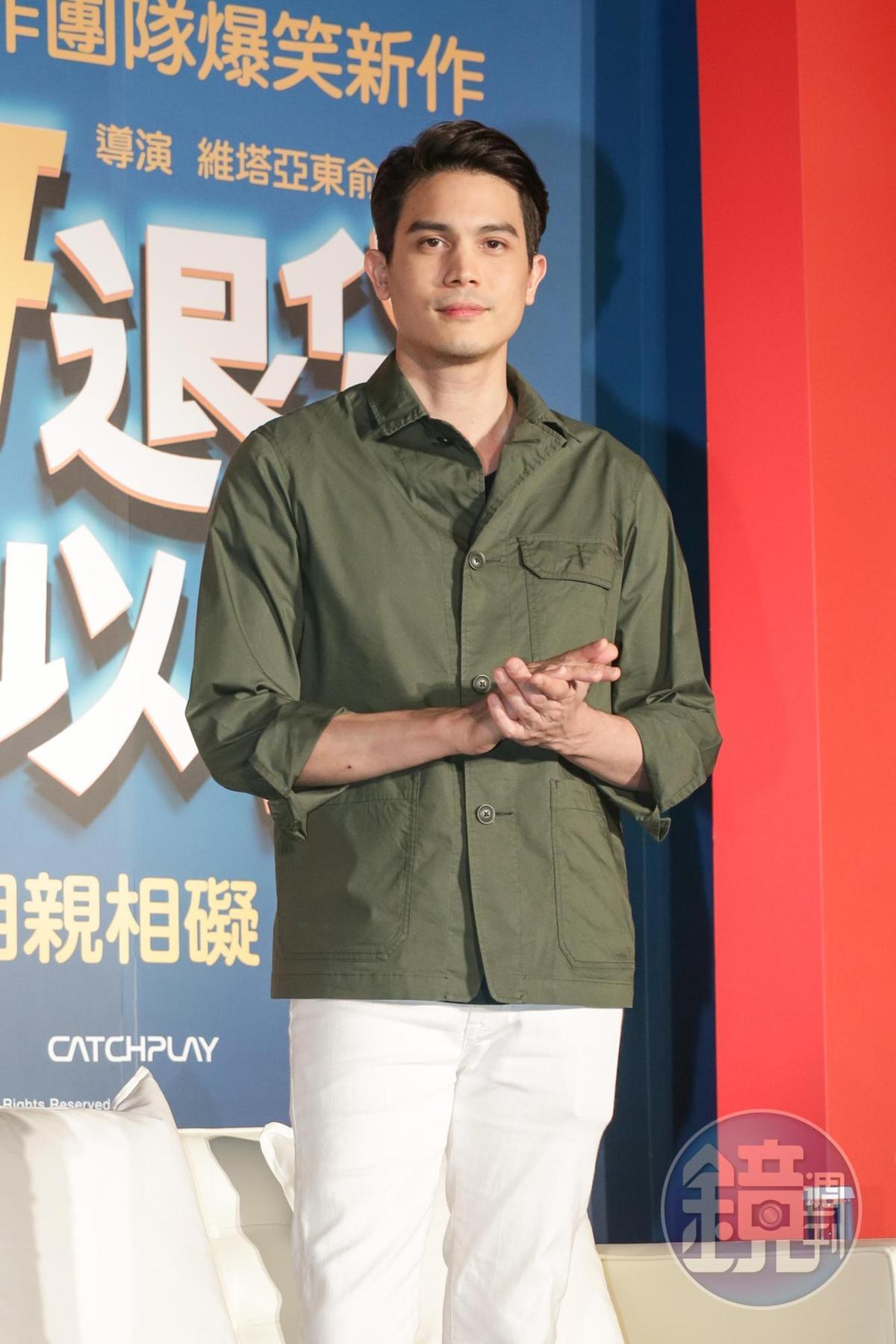 Sunny演活廢柴哥哥,但他本人顏值超高又帥氣,深受媒體歡迎。