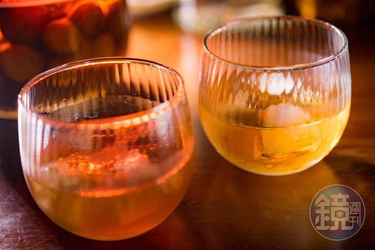 老闆自釀2年才開封的「男子漢梅酒」(前,250元/杯)「美威梅酒」(後,250元/杯)量少搶手,全看緣份才能喝到。