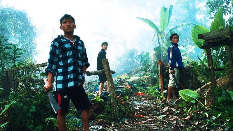 緬北居民希望開採琥珀脫貧。(海鵬影業提供)