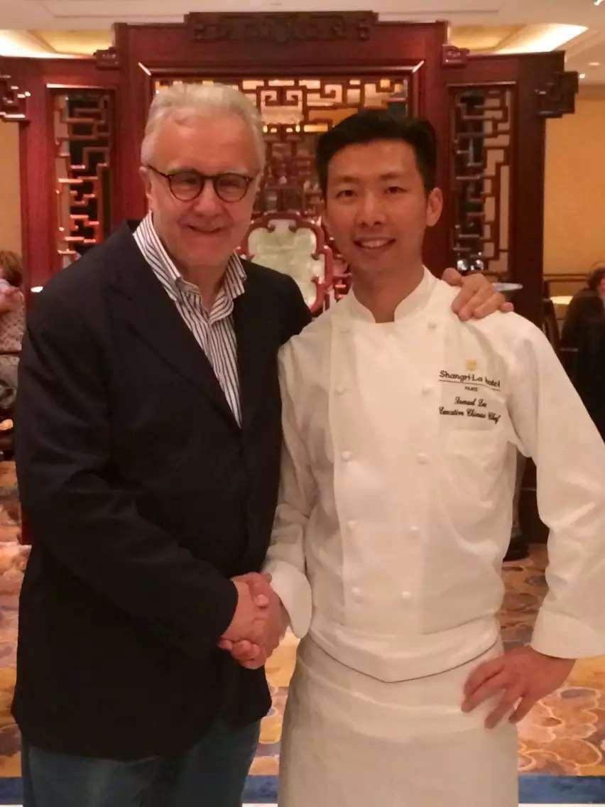 法國名廚Alain Ducasse(左)也曾是李森(右)的座上賓。(李森提供)