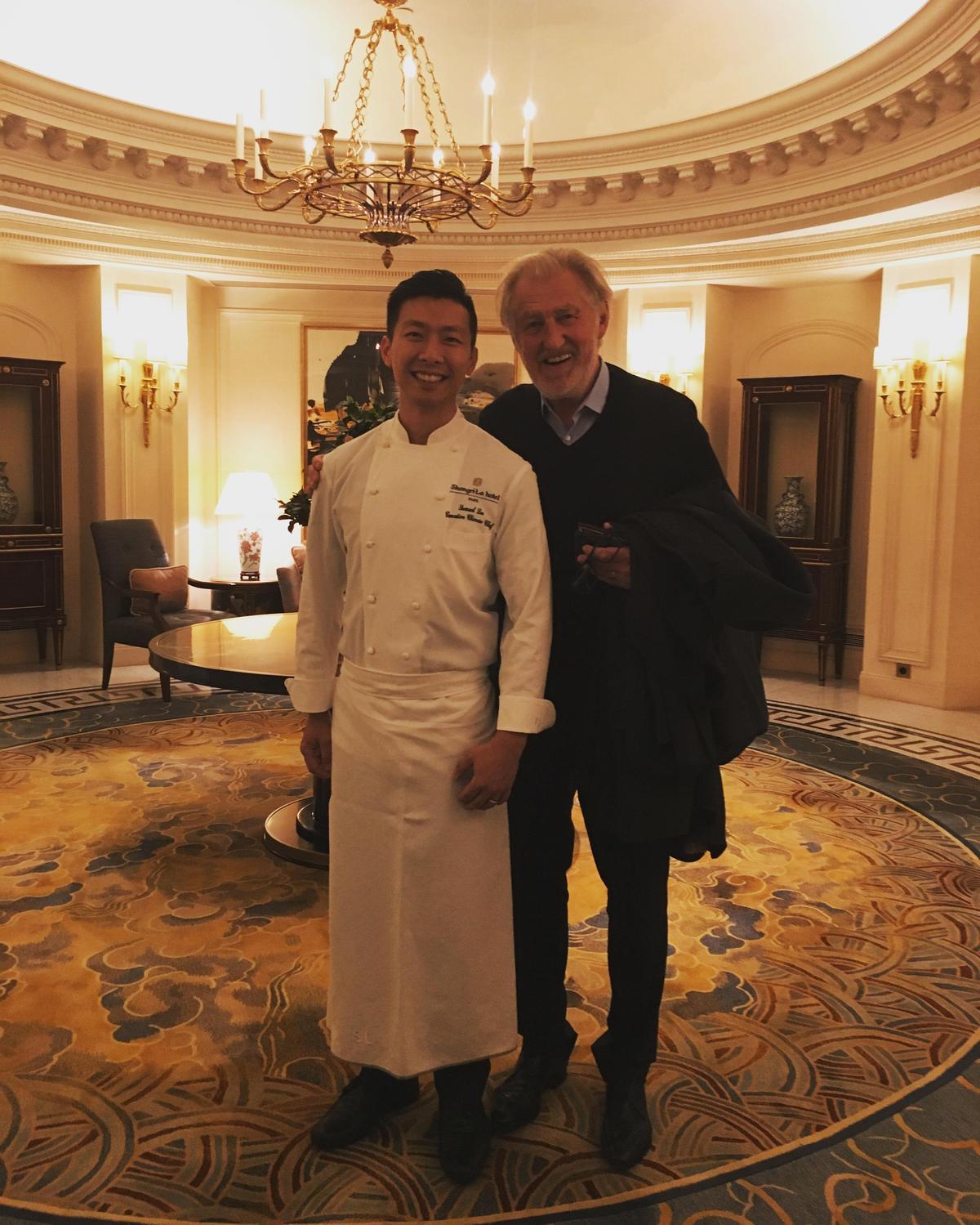 來過台灣客座的法國三星主廚Pierre Gagnaire也吃得笑呵呵。(李森提供)