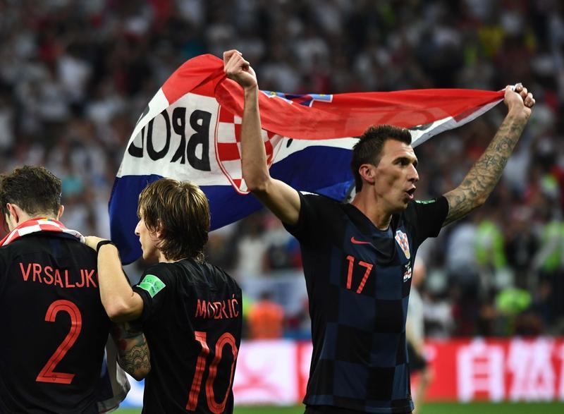 俄羅斯世足四強賽,克羅埃西亞上半場落後,下半場追平,更在加時賽一舉踢進關鍵的驟死球,成功擊敗英格蘭晉級決賽。(東方IC)