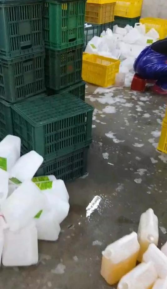 平常不會主動稽查的環保局,追到台灣潔聲家品有限公司,偷排汙水。(高市新聞局提供)