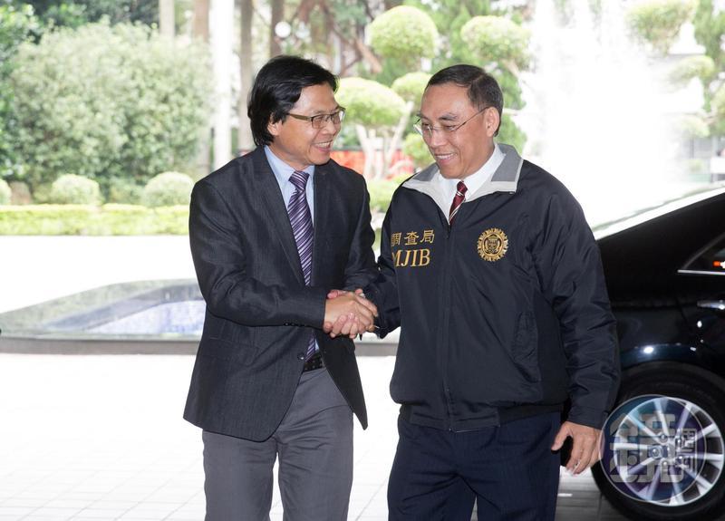 蔡清祥(右)將接任法務部長,劍青檢改發新聞稿祝賀外,也期許蔡繼續推動各項改革。