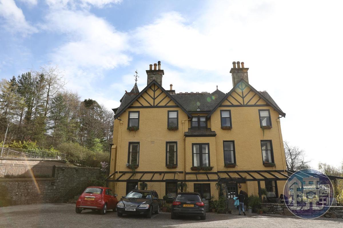 「Copper Dog」開在當地最高級的「The Craigellachie Hotel」裡,菜色水準很高。
