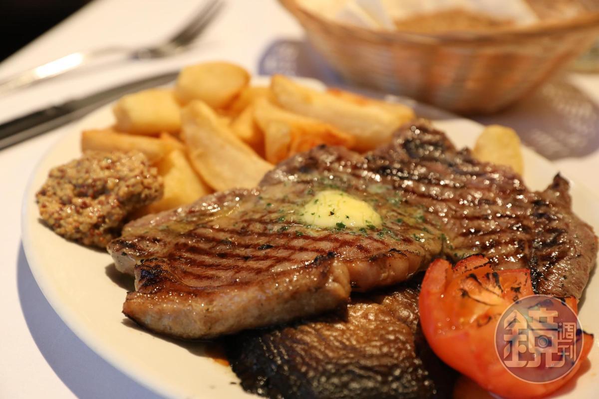 「亞伯丁產安格斯沙朗牛排」的肉味十足,很有蘇格蘭特色。(29英鎊/2道菜晚餐菜色,約NT$1,156)