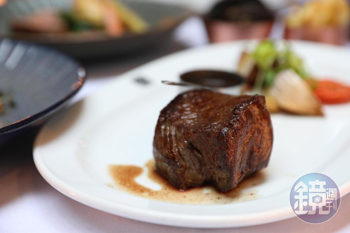 質感超級紮實的蘇格蘭牛排,適合食肉獸。