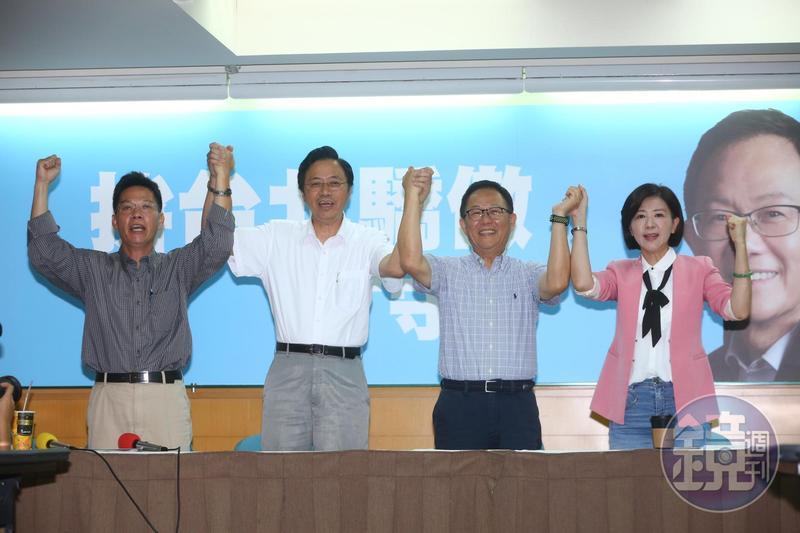 丁守中今公布張善政(左2)擔任競選總部主委、立委王育敏(右1)任總幹事。