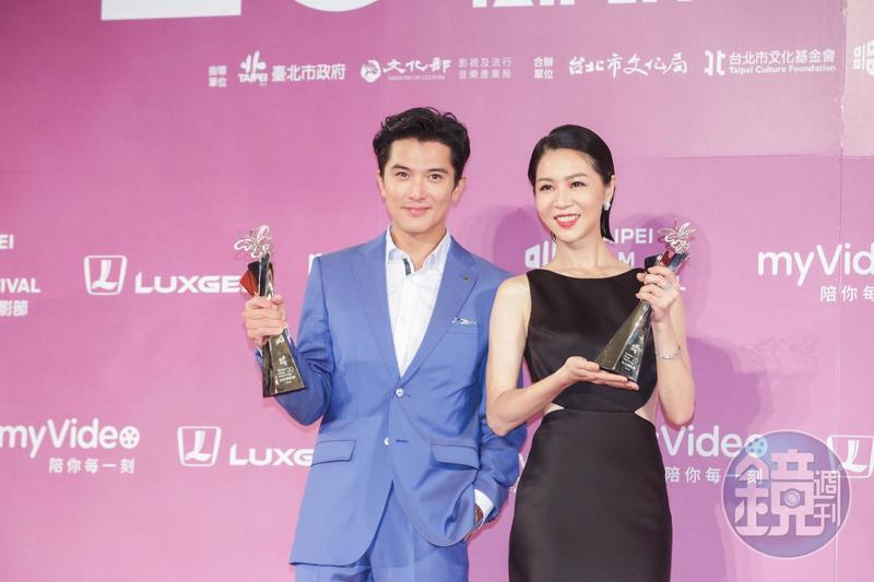 邱澤、謝盈萱分別以《誰先愛上他的》奪下最佳男女主角獎。