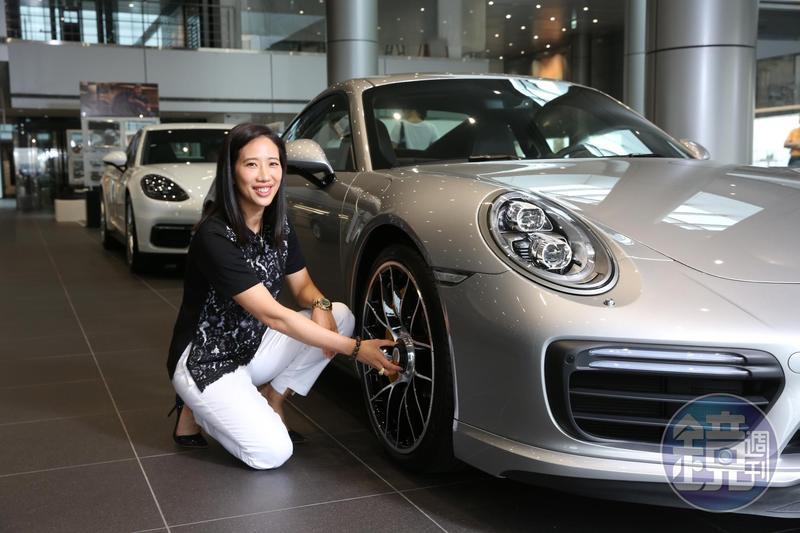 高易誼過去在金融界打滾,這回看準台灣豪華車市場,搶賣保時捷。