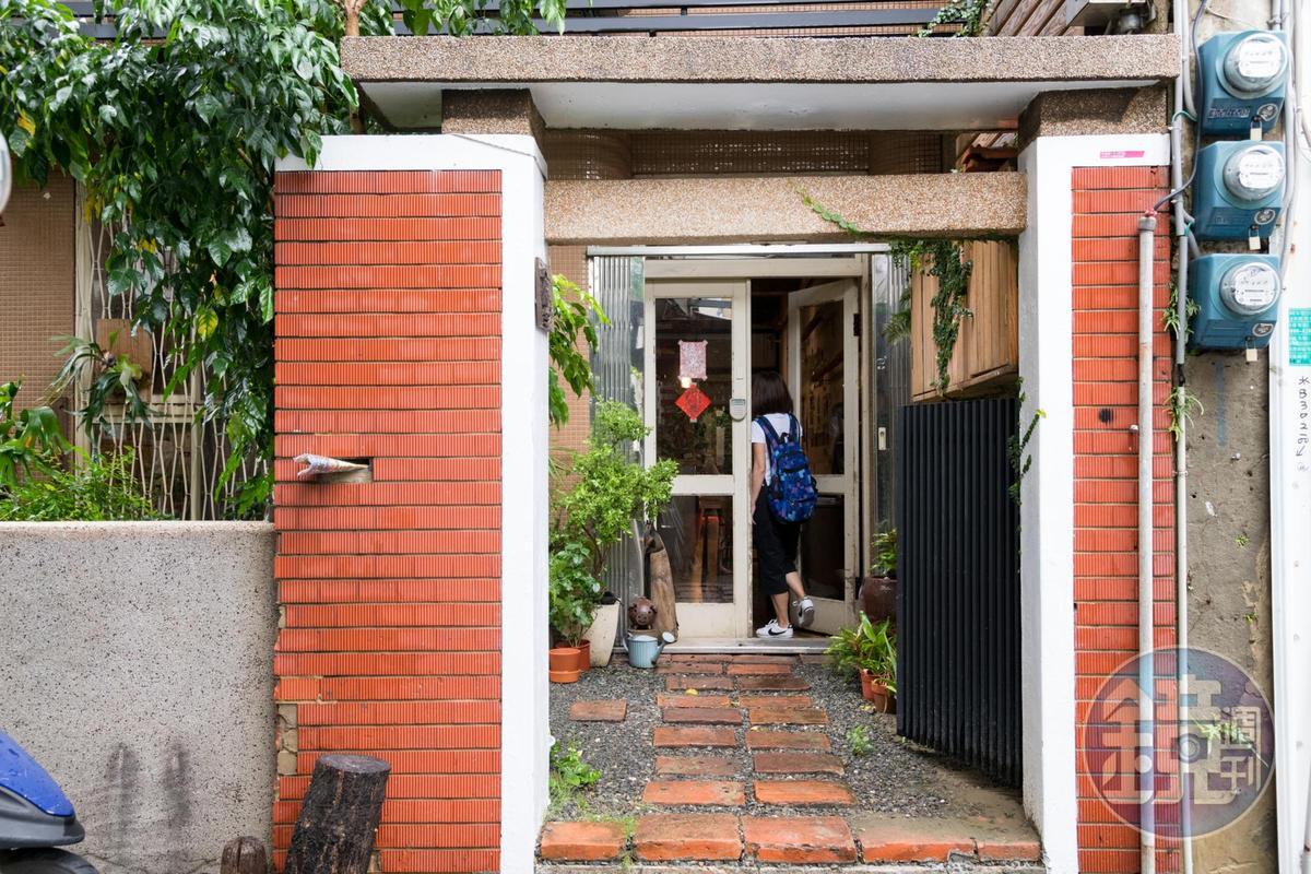 穿過庭院,門扉內藏著一段段探索旅程。