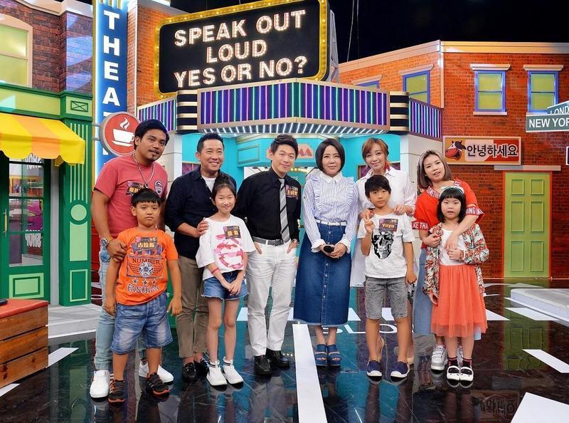 衛視中文台《請問你是哪裡人》日前邀請屈中恆、季芹、萁萁、撒基努帶著小孩上節目,大聊親子話題。(衛視提供)
