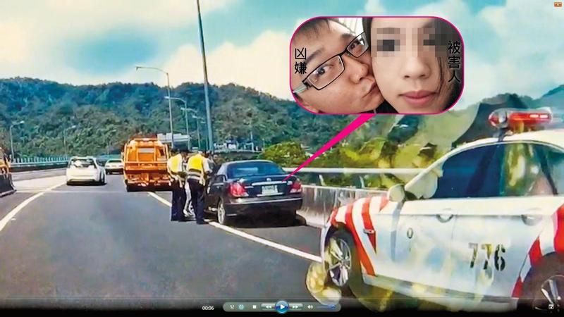 莊嫌自撞護欄,路過拖吊車通報後,國道警察趕赴現場,莊嫌已跳橋落跑。(翻攝畫面)