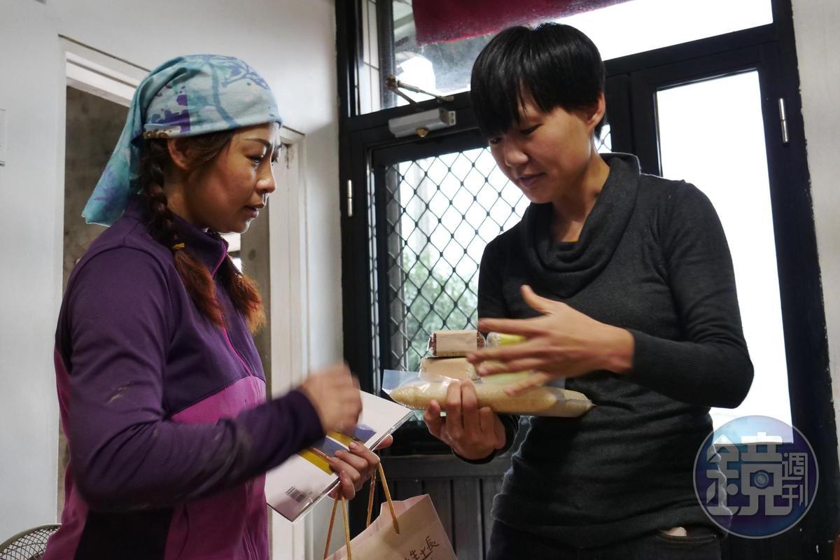 顧瑋到產地拜訪農人、耕作者,找尋台灣多樣食材,思考食品加工的可能。