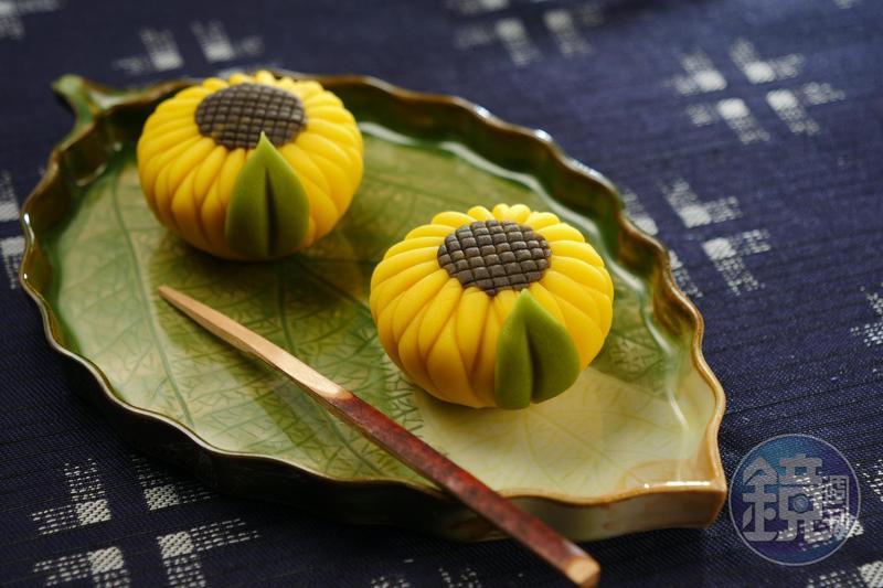 「向日葵上生菓子」把抹茶甜點做得如藝術品般精緻。(180元/顆)