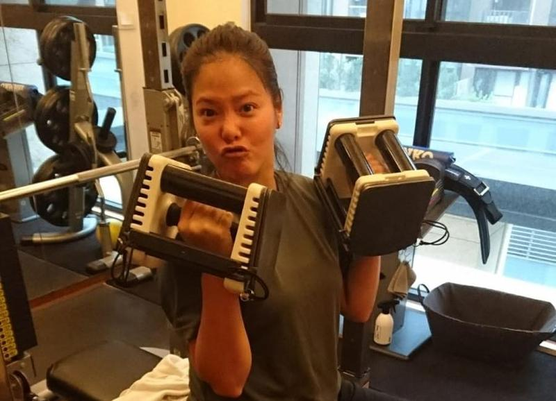 陳翊萱剛運動時氣喘吁吁快崩潰,但1個月後,體力明顯提升不少。(艾迪昇傳播提供)