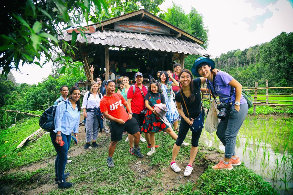 Airbnb與當地非營利組織合作,透過社會服務體驗的旅遊方式,也改善當地人的生活條件。(Airbnb提供)